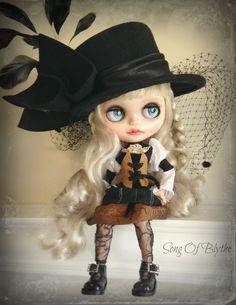 Custom OOAK Blythe doll by SongOfBlythe on Etsy