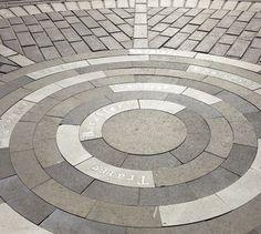 Architecture Design, School Architecture, Landscape Architecture, Floor Patterns, Tile Patterns, Paving Pattern, Paver Designs, Garden Tiles, Paving Design