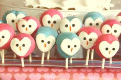 owl-love-dessert-table-cake-pops ~ these are so cute! Dessert Party, Party Desserts, Dessert Table, Owl Parties, Owl Birthday Parties, Themed Parties, Owl Cakes, Cupcake Cakes, Ladybug Cakes