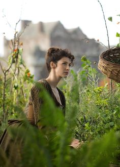 Caitriona Balfe as Claire in Outlander on Starz via http://www.farfarawaysite.com/section/outlander/gallery1/gallery.htm