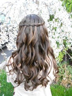 More like what a waterfall braid looks like on a brunette... I like these waves too!