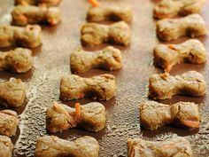 Homemade Peanut Butter Bones >> http://www.diynetwork.com/decorating/homemade-pet-treats-and-recipes/pictures/index.html?soc=pinterest
