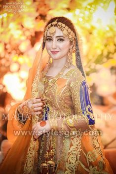 A-Line Wedding Dresses Collections Overview 36 Gorgeou… Pakistani Bridal Makeup, Bridal Mehndi Dresses, Pakistani Wedding Outfits, Bridal Lehenga, Indian Bridal, Bridal Photoshoot, Bridal Pics, Wedding Dresses For Girls, Bride Look