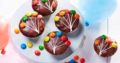 Bögrés piskóta - sütnijó! – Kipróbált sütemény receptek Muffin Recipes, Cookie Recipes, Summer Decoration, Streusel Muffins, Chocolate Chip Muffins, Chocolate Glaze, Cake Chocolate, Tasty, Yummy Food