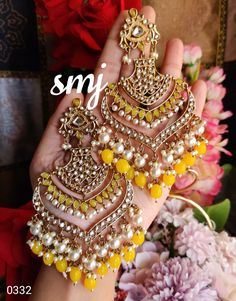 Indian Bridal Jewelry Sets, Indian Jewelry Earrings, Jewelry Design Earrings, Ear Jewelry, Bridal Jewellery, Antique Jewellery Designs, Fancy Jewellery, Indian Jewellery Design, Stylish Jewelry