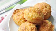 Sajtos túrós muffin Muffin, Cheddar, Pesto, Baking, Breakfast, Ethnic Recipes, Food, Morning Coffee, Cheddar Cheese