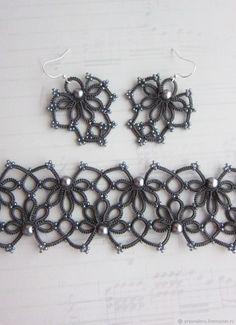 Серый кружевной комплект браслет и серьги фриволите – купить или заказать в интернет-магазине на Ярмарке Мастеров | Серый кружевной комплект состоит из серег и…