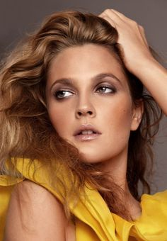 drew Barrymore Not necessarily a fan but I do like her makeup here!