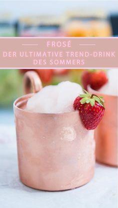 #sommerdrink #rosé #wein #cocktail #trendgetränk #erdbeer #rezept #kupfer #crushedice Frozen Rosé, bzw. Frosé, ist das Trendgetränk des Sommers. Dieser Getränketrend stammt ursprünglich aus New York und hat nun auch den Sprung zu uns geschafft. Der erfrischende Drink besteht aus Roséwein, Crushed Ice, Erdbeeren, Zucker und Zitrone. Das Rezept dazu findet ihr bei uns auf dem Blog. Viel Spaß!
