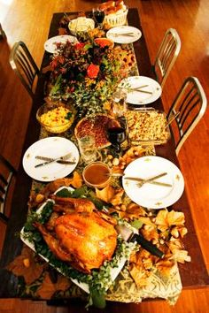 Find Thanksgiving quizzes, printouts, recipes, and activities for your family. Make it a fun and happy Thanksgiving! Thanksgiving Feast, Thanksgiving Recipes, Thanksgiving Blessings, Thanksgiving Decorations, November Birthday Party, Birthday Parties, Baby Birthday, Birthday Celebration, Birthday Cakes