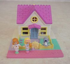 Polly Pocket -1993 Cozy Cottage Playset aka Polly's Cosy Cottage - Pollyville or Tiny World