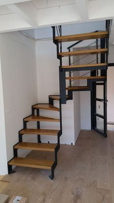 Spiral Stairs Design, Small Staircase, Loft Staircase, Home Stairs Design, Staircase Remodel, Interior Stairs, House Stairs, Modern House Design, Stair Shelves
