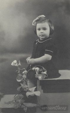 Camille Himmelfarb Sarnacka Nationality: Jewish (white/caucasian) Residence: Paris, France Death: 1942 Cause: Gassed to death in Auschwitz (body cremated) Age: 2 years