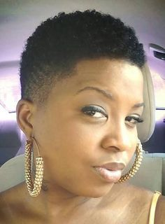 Box cut / tapered twa, love it! Short Natural Styles, Short Natural Haircuts, Tapered Natural Hair, Natural Hair Twa, Short Styles, Tapered Twa, Twa Hairstyles, Dreadlock Hairstyles, Black Hairstyles
