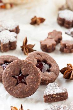foodblog: paules ki(t)chen » Blog Archiv » • Sablés au cacao et à la gelée de vin chaud