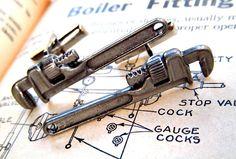 Wrench cufflinks