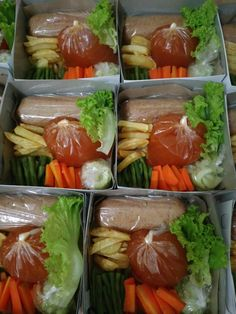 Galantin Indonesian Food, Fresh Rolls, Sausage, Ethnic Recipes, Indonesian Cuisine, Sausages, Chinese Sausage
