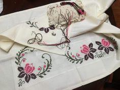 Napkins, Tableware, Cross Stitch, Flowers, Dinnerware, Towels, Dinner Napkins, Tablewares, Dishes