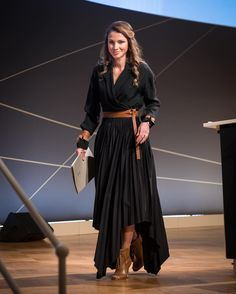 6 October 2016 - Queen Rania attends the Day of German Industry 2016 conference in Berlin - skirt and blouse by Dior, shoes by Jimmy Choo