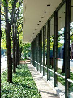Irwin Union Bank, Columbus, IN - Eero Saarinen