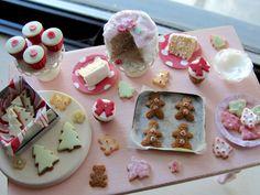 dollhouse miniature Holiday baking by Kimsminibakery on Etsy