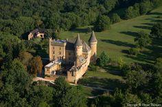 Photo aérienne de : Château de Puymartin - Dordogne (24)