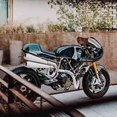 Acting isn't really a creative profession. It's an interpretative one. Ktm Cafe Racer, Cafe Racer Style, Cafe Bike, Custom Cafe Racer, Cafe Racers, Ducati 900ss, Moto Ducati, Yamaha Motorcycles, Vintage Motorcycles