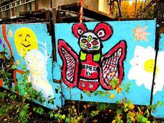 Katutaidetta Itäkeskuksessa, Stoan liepeillä, väliaikaista kaikki on vaan. Mural Wall Art, Helsinki, Urban Art, Sweet, Photography, City Art, Candy, Photograph, Street Art