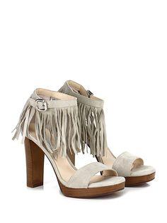 Alexandra - Sandalo alto - Donna - Sandalo alto in camoscio con cinturino alla caviglia e frange. Suola in cuoio, tacco 105. - SABBIA - € 149.00
