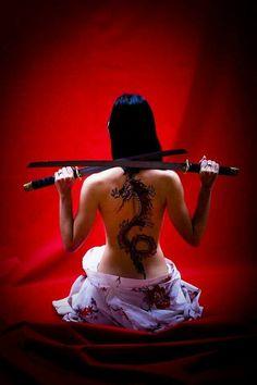 sexy katana girls at DuckDuckGo Katana Samurai, Female Samurai, Samurai Swords, Samurai Warrior, Warrior Girl, Warrior Princess, Sexy Tattoos, Girl Tattoos, Katana Girl