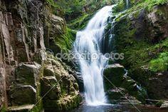Vodopád v horských — Stock obrázek #1617306