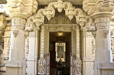 India - Architecture and Nature India Architecture, Ancient Architecture, Mount Abu, Jain Temple, Unity In Diversity, Amazing India, India Culture, Hill Station, Marble Mosaic