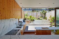 Peter's House  / Craig Steely: Indoor/outdoor kitchen