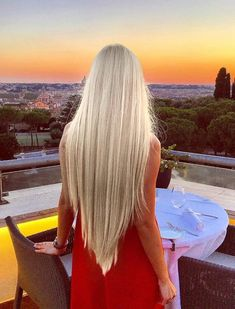 Long Hair is Beautifull Light Blonde Hair, Platinum Blonde Hair, Hair Color Guide, Alena Shishkova, Rapunzel Hair, Hair Heaven, Very Long Hair, Beautiful Long Hair, Mode Inspiration