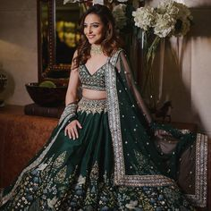 8 Ideal Marriage Lehenga Designs That These To-be-Brides Would Like To Have For Their Wedding Day Desi Bride, Desi Wedding, Wedding Wear, Marathi Wedding, Maroon Wedding, Wedding Stage, Gothic Wedding, Wedding Goals, Green Wedding