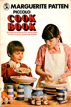 Piccolo Cook Book by Marguerite Patten (1978 edition).
