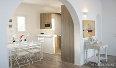 http://www.home-designing.com/wp-content/uploads/2013/07/mediterranian-style-kitchen.jpg