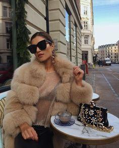 Ɠ ơ ơ ɖ ɩ ı ʄ ɛ ✨ bougie in 2019 fashion, fur fashion, outfits. Rich Girls, Fur Fashion, Womens Fashion, Style Fashion, Petite Fashion, Fashion Clothes, Fashion Dresses, Fur Coat Outfit, Ralph & Russo