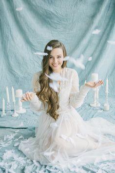 Pastel bridal boudoir shoot with pastel bridal bouquet and pale blue backdrop with lingerie. Romantic and feminine bridal boudoir shoot. Ideas Para Photoshoot, Bridal Photoshoot, Bridal Boudoir, Bridal Shoot, Simple Bridal Shower, White Bridal Shower, Shooting Photo Studio, Cover Design, Foto Pastel