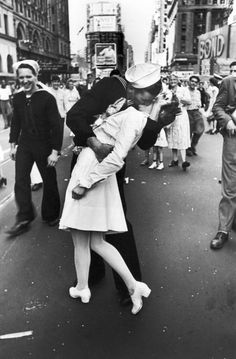 On August 14, 1945, after four years of remaining turned off, all the lights in Times Square in New York were switched on in a show of brilliance to commemorate the announcement of the Japanese surrender, and the official end of WWII. New Yorkers filled the Square in a relieved celebration captured so perfectly with this picture of the unknown couple kissing.