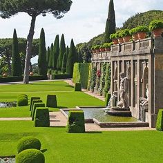 At the three-tiered Giardini del Belvedere, a group of formal gardens at the papal palace at Castel Gandolfo, the second level hosts sunken ...