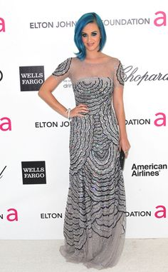 Katy Perry Evening Dress - Katy Perry almost always looks like she's in costume, but she downplayed her signature kook at the Elton John Foundation viewing party in a glittering Blumarine gown and Miu Miu shoes. Oscar Dresses, Evening Dresses, Wells, Katy Perry Photos, Elton John Aids Foundation, Oscar Party, Gray Dress, Miu Miu, Nice Dresses
