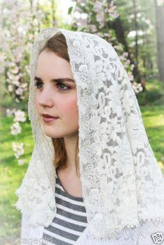 NEW-Lovely-Ivory-Dolce-Rose-Lace-Chapel-Veil-Mantilla-Veil-Scarf-Latin-Mass