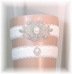 ~ An ivory vintage styled crystal garter set full of bling!    ~ Ivory stretch lace is lined with stretch velvet so it will not twist or roll on