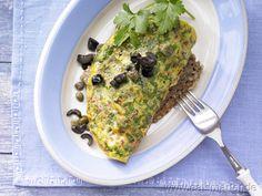 Tomaten-Omelett auf Kürbiskernbrot mit Oliven und Kapern - smarter - Kalorien: 243 Kcal | Zeit: 20 min.