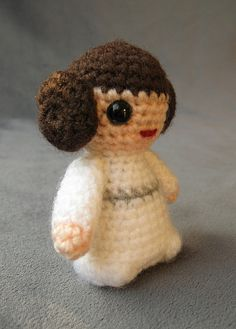 Star Wars Mini Amigurumi - Princess Leia