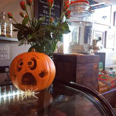 Its all getting a bit spooky in the cafe this week! Pop in, grab yourself a homemade treat and compliment us on our expert (cough!) pumpkin carving skills!  #proudbarista #nationalpumpkinday #halloween #spooky #pumpkin #stockbridge #art #edinburgh #localbusiness #supportlocal #cafe