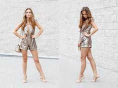 gold jumpsuit- więcej na stylizacje.pl