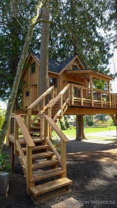 🏡 Access Cabin Plans and Tiny House Plans with Cad Design , Videos , Blueprints all in one Package Check Our website Link in Bio👆 Beautiful Tree Houses, Cool Tree Houses, Tree House Designs, Tiny House Design, Cabin Design, Design Design, Tree House Plans, Tiny House Cabin, Cabins And Cottages