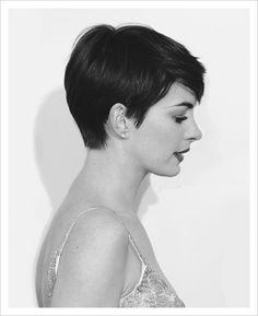 Pixie Cut. Anne Hathaway.